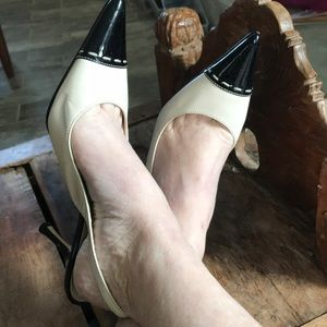 Anne Klein Cream & Black Spectator Pump Sz6 SAMPLE